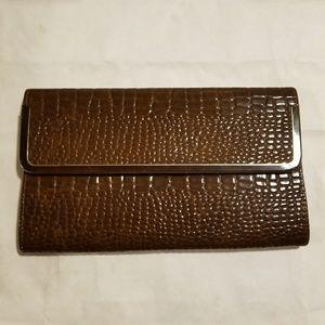 Brown croc pattern vintage clutch
